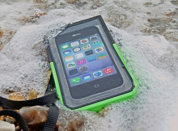 Waterproof mobile cases: Protect your device