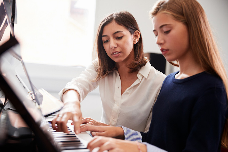Advantages of piano lessons for kids